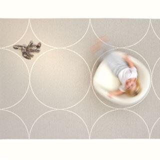 Pappelina tæpper til spisebord, sofagruppe og store rum. Mange størrelser og design