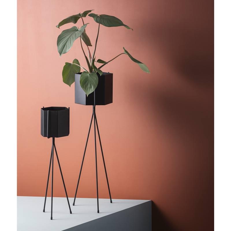 Ferm Living hexagon potte i metal - Køb nu hos moods.dk dca60753025b2