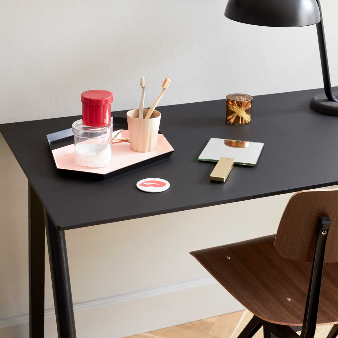 Picture of: Hay Skrivebord I Copenhague Design Helt I Sort